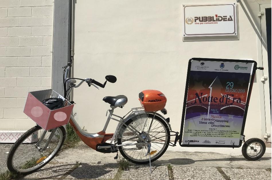 bici vela pisa, bicicletta vela, bici vela, bicicletta con pubblicità, pubblicità dinamica